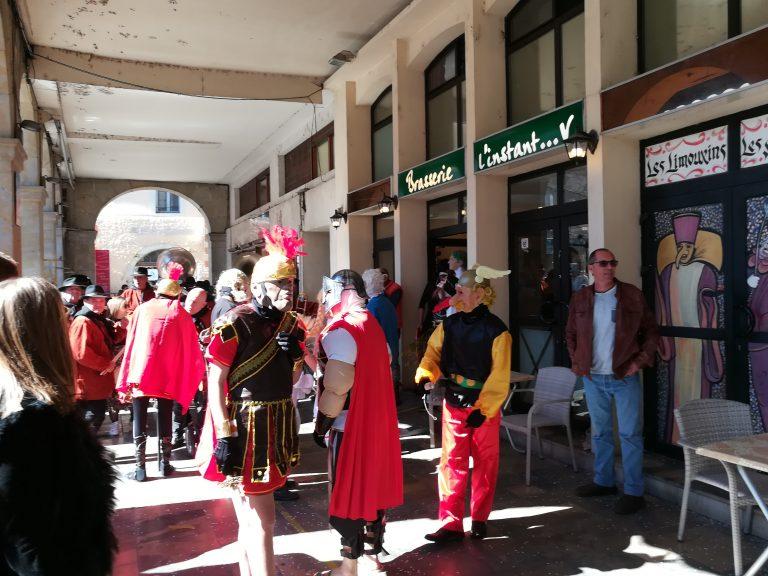 Astérix et les Romains du carnaval de Limoux
