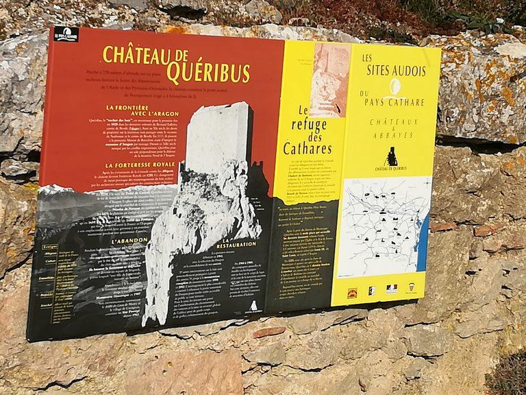 Panneau descriptif du château de Quéribus