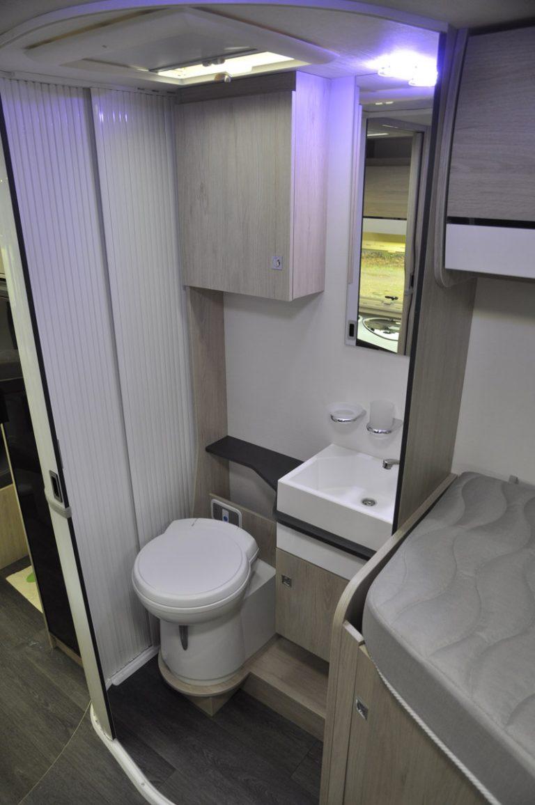 Cabinet de toilettes séparé
