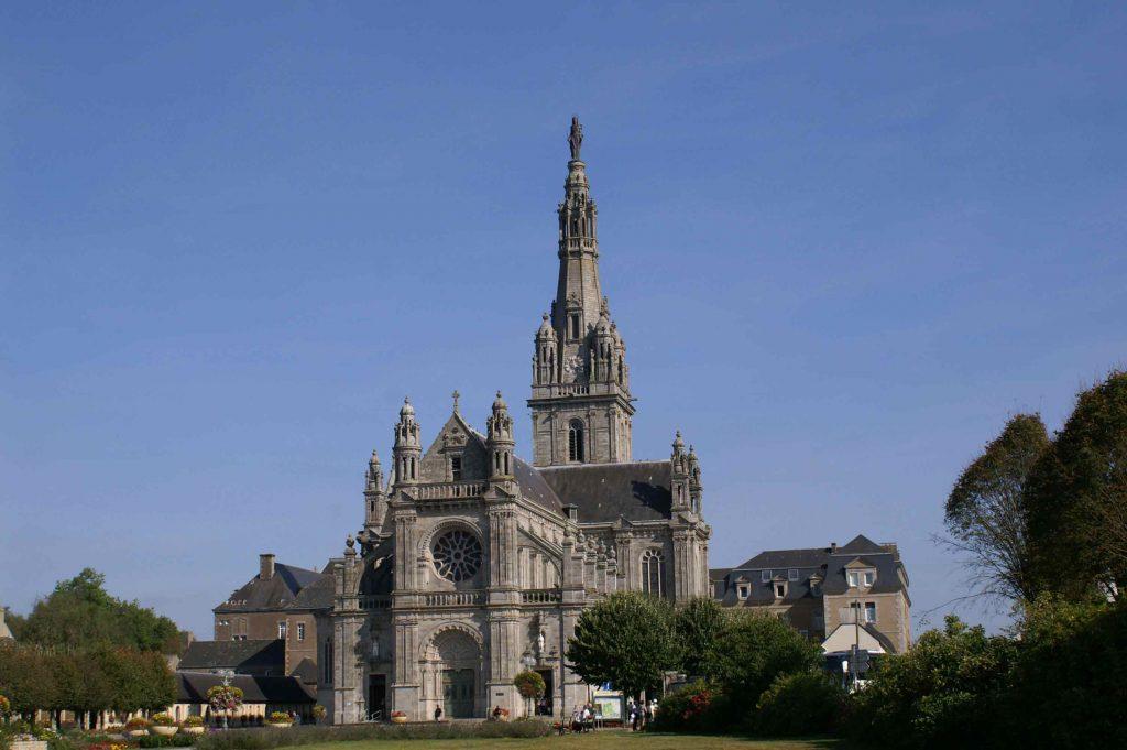 La Basilique Sainte-Anne d'Auray extérieur