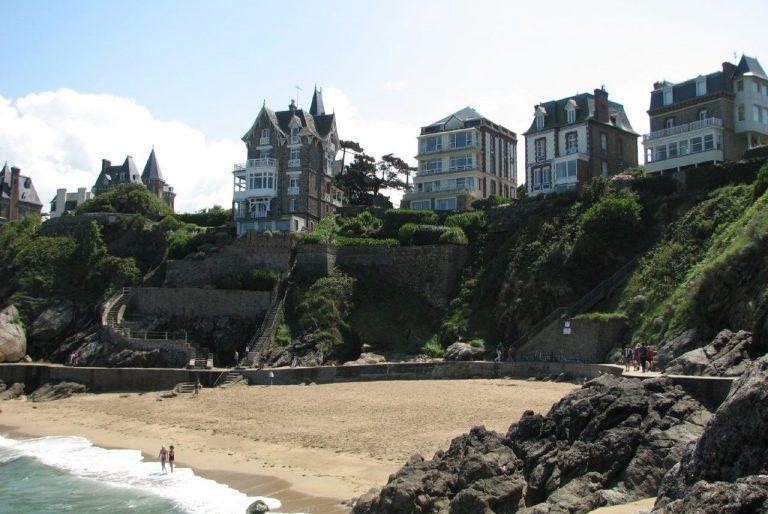 Dinard, les villas vues de la plage