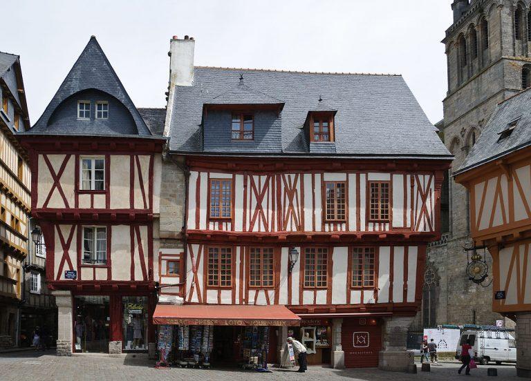 Maisons à pans de bois, place Henri IV à Vannes
