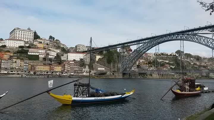 Porto, le pont Luis I et le Douro. A découvrir quand vous visiter le Portugal en camping car