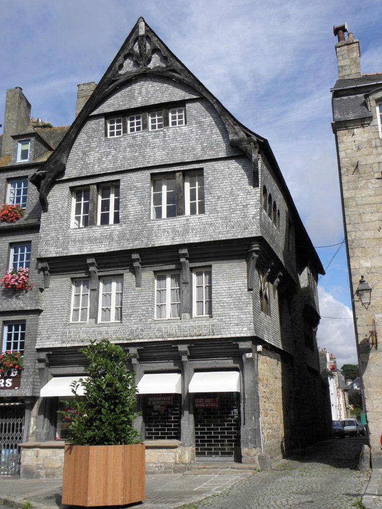Guingamp, place du centre n°48