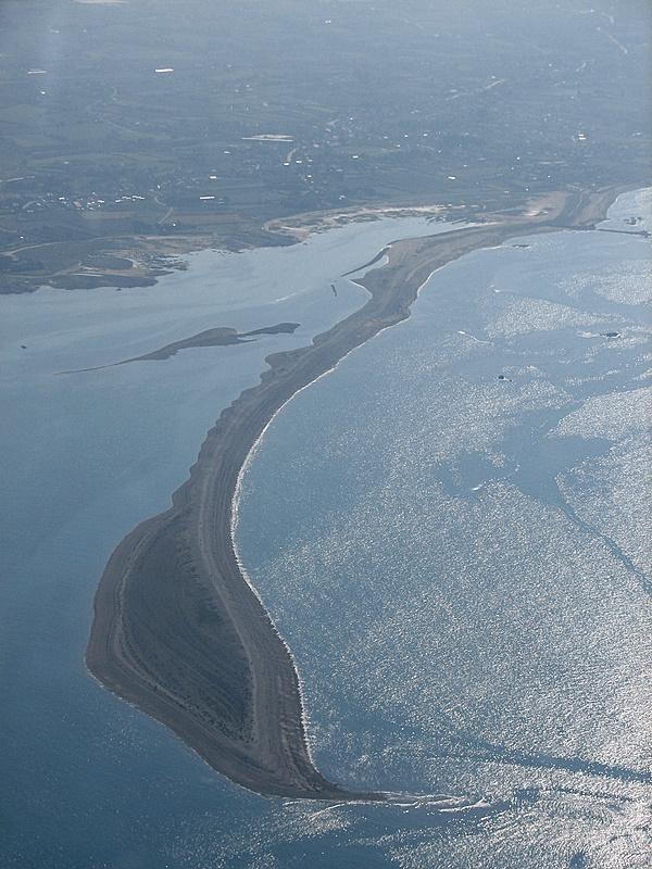 Vue aérienne du sillon de Talbert à marée haute